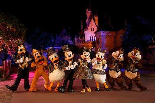 Mickey_Mouse_and_Disney_friends_0_Original