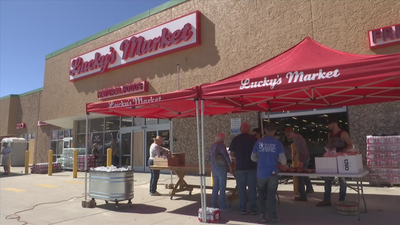 luckys market grilling