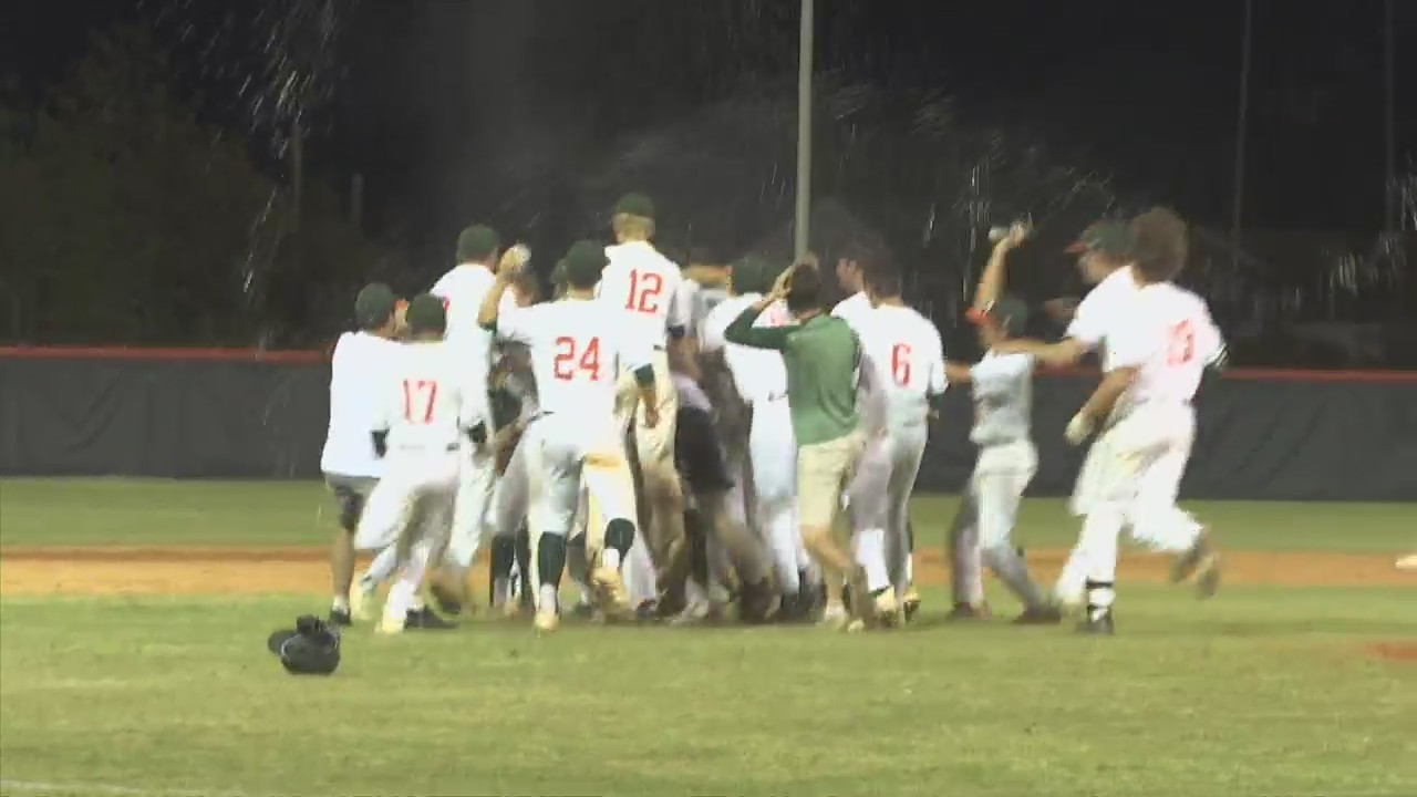 Mosley celebrates big after win over Pace Tuesday night