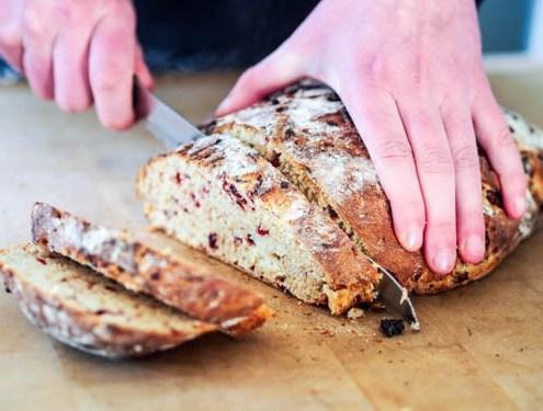 pain à la farine d'épeautre aux cranberries