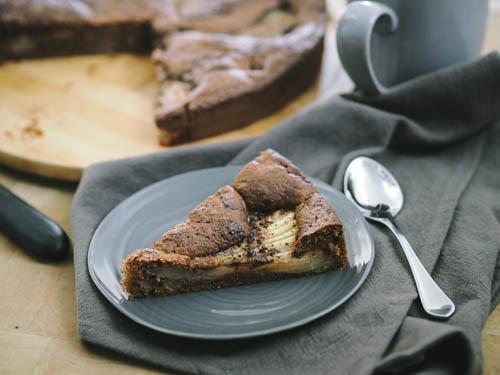gâteau à la farine de châtaigne, poire et chocolat