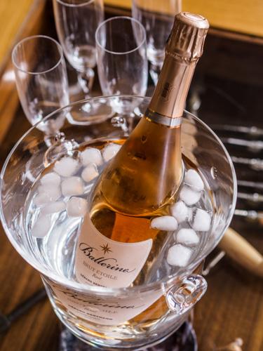 Dégustation vin rosé effervescent Ballerine de Gérard Bertrand