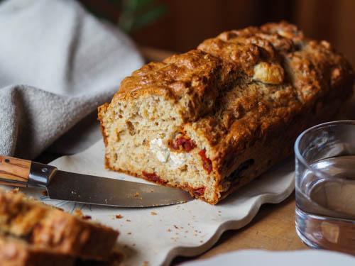 cake au thon, feta et tomate confite