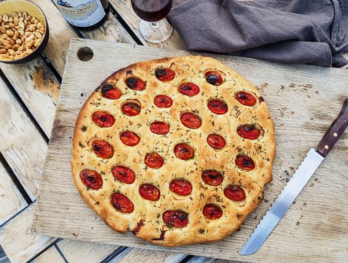 Focaccia aux tomates cerises pour l'apero