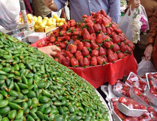 Discover 12 delicious and unique must-try fruit in Iran, and pick up some Persian idioms and expressions related to these fruits.