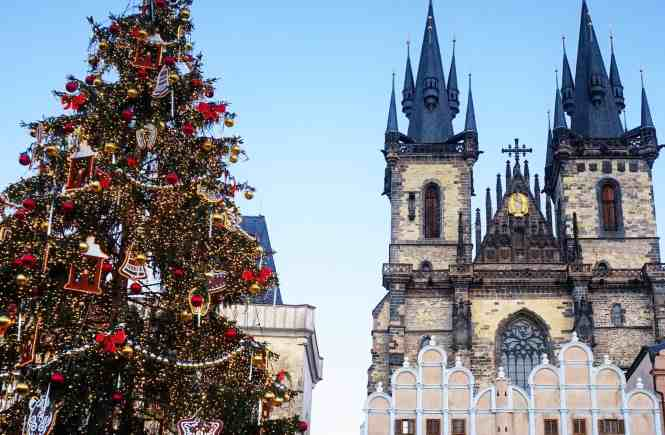 Prague, Old Town Square | www.mypetitejoys.com