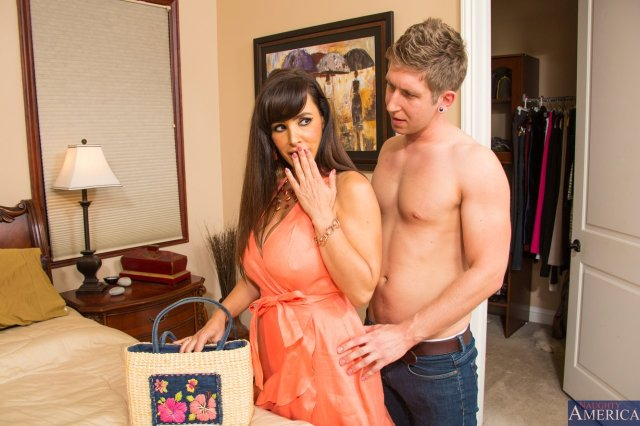 Naughty Mom Lisa Ann Enjoying Hot Sex With Young Guy