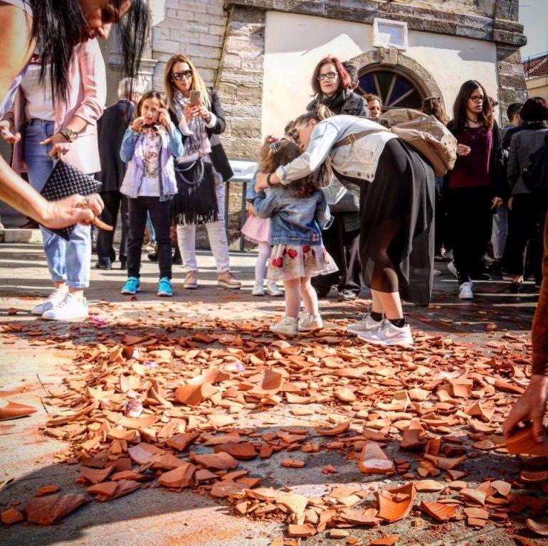 Πρέβεζα: Η Πρέβεζα ετοιμάζεται πυρετωδώς για την πρώτη Ανάσταση και το έθιμο με τα μπότια