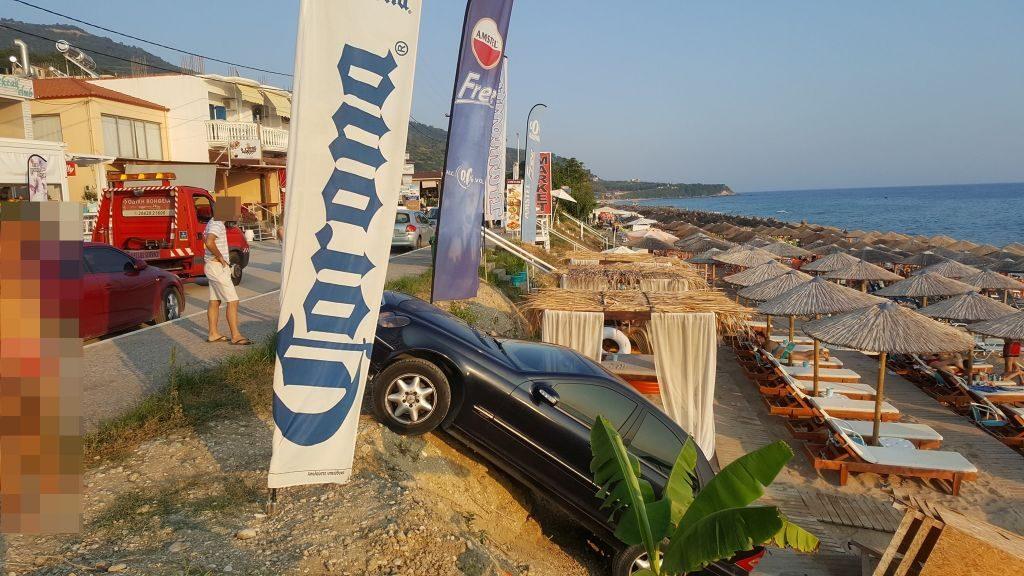 Πρέβεζα: Αυτοκίνητο έπεσε στην παραλία στον Βράχο