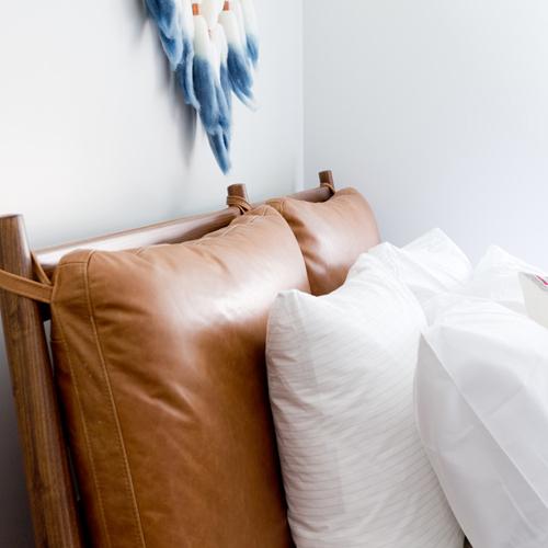 tendance deco 5 tetes de lit en cuir