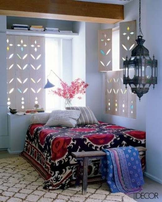 A simple Moroccan bedroom idea