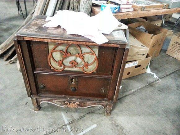 antique victrola