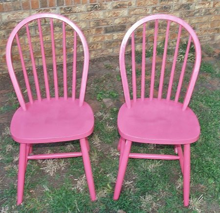 pink-chairs-