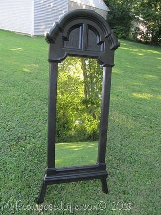 painted black pastic mirror frame