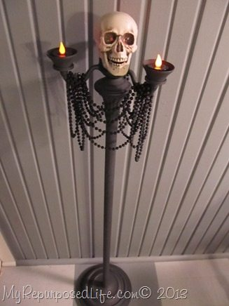 skull-candelabra