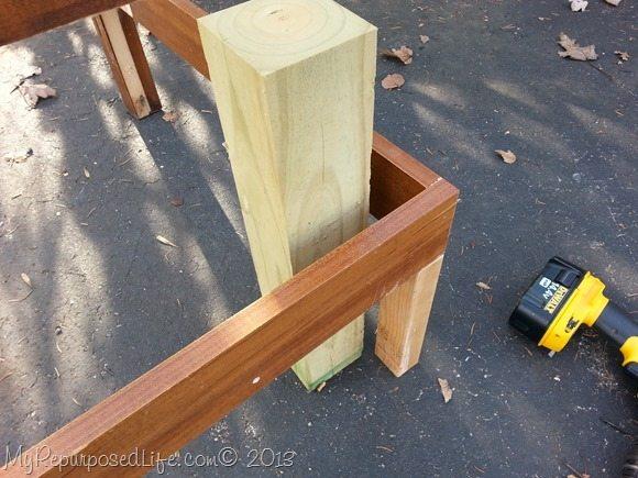 corner-bench-support-leg