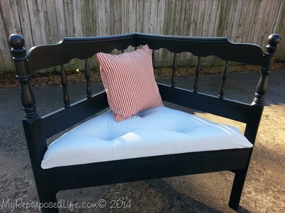 headboard-corner-bench-pillow