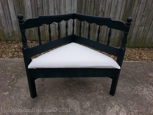 upholstered-corner-bench