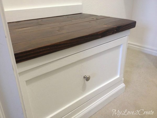 Built in bench with drawer