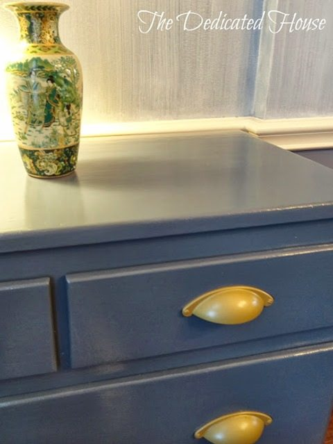 blue-chest-of-drawers