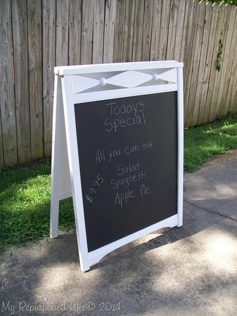 crib-easel-chalkboard-sign