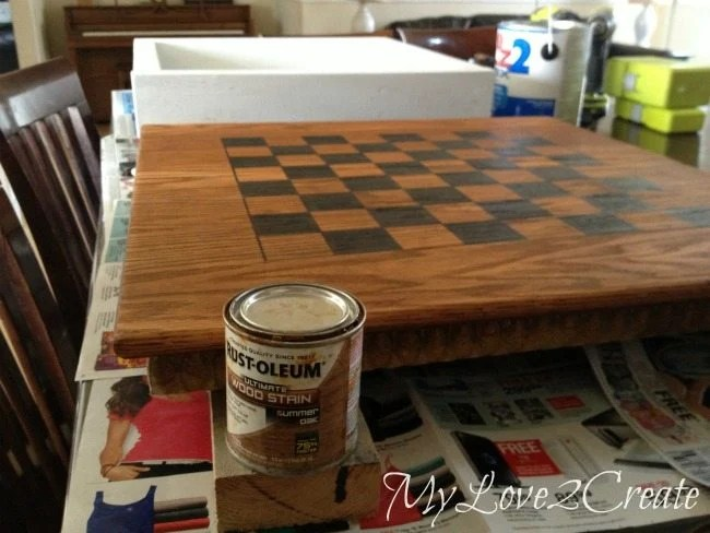 Staining board
