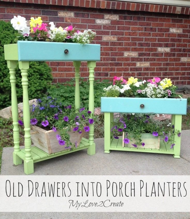 Drawer Porch Planter | A Guide to Upcycled Homesteading