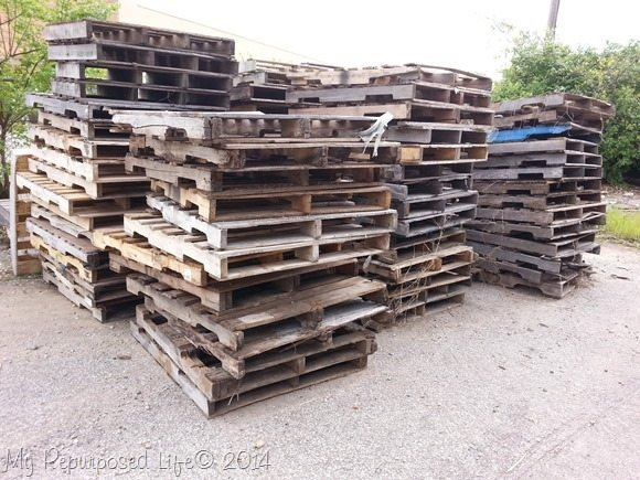 free pallets available at the hardware store
