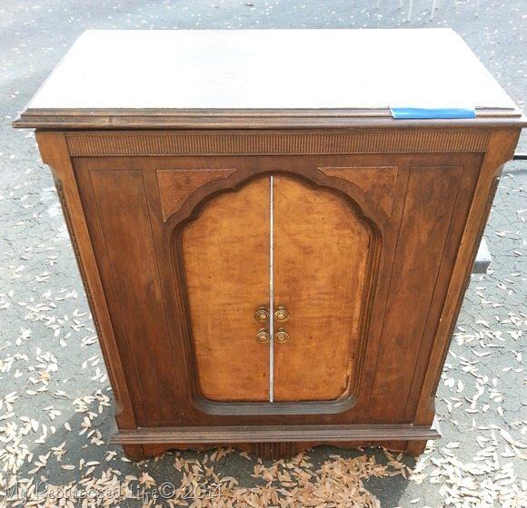 vintage-radio-cabinet