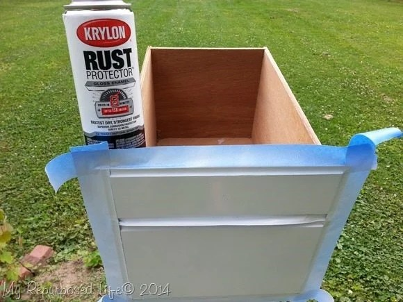 Krylon-white-gloss-spray-paint