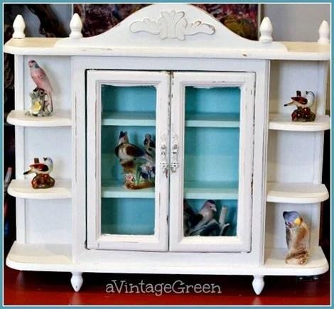 small-shabby-shelf