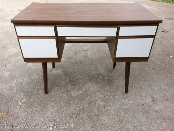 two-toned-desk