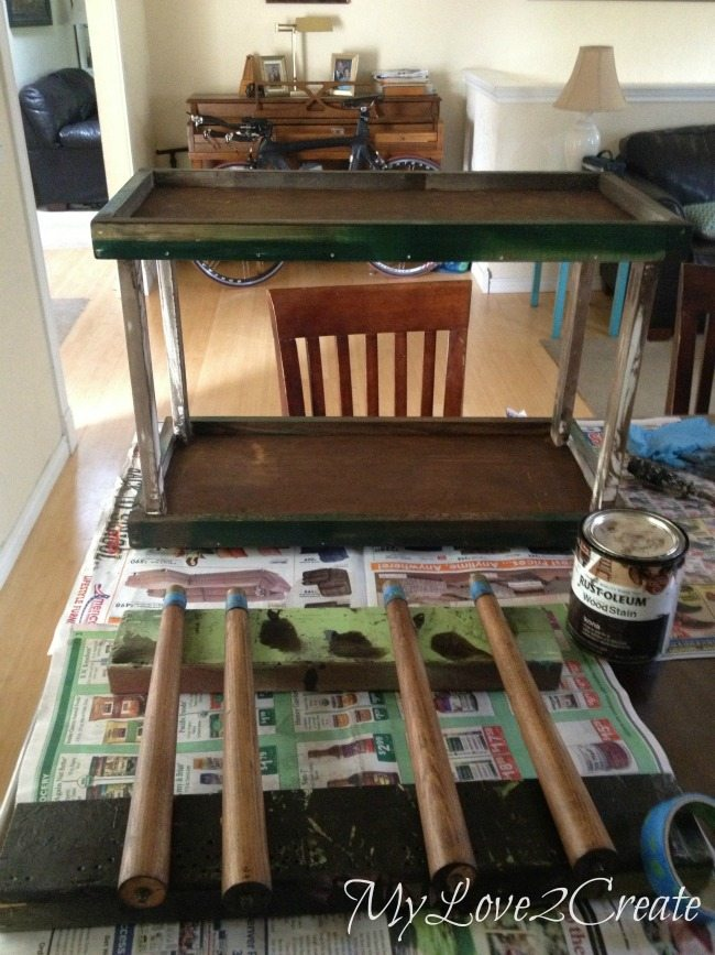 Staining tray stand and legs