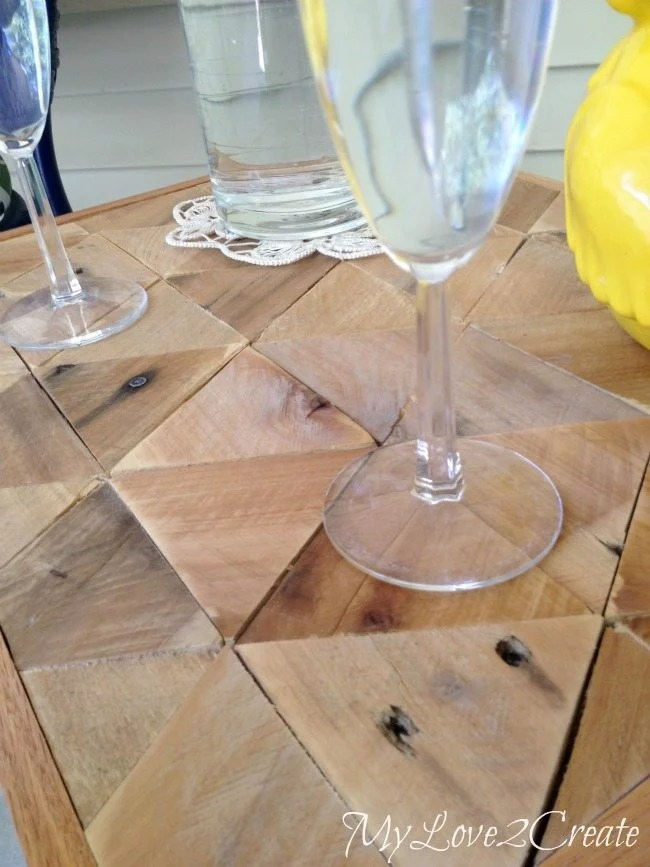 Pallet Top Table, close up