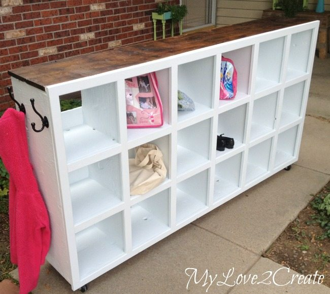 MyLove2Create-cubby-makeover-hens-nesting-box