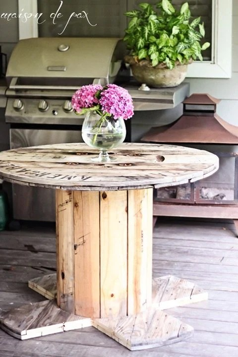 diy-industrial-spool-table