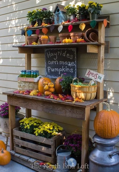 fall-decor-potting-bench