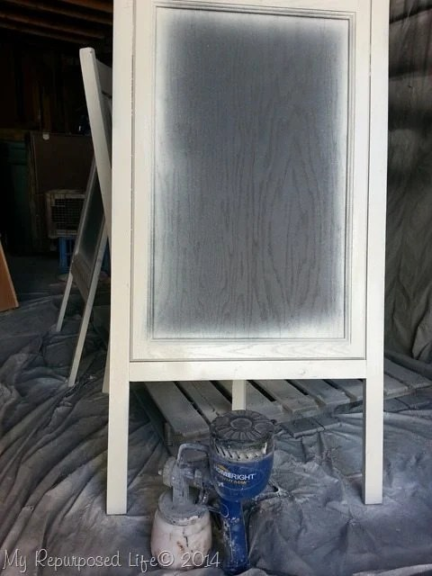 diy-chalkboard-easel-white-top-coat-finish-max