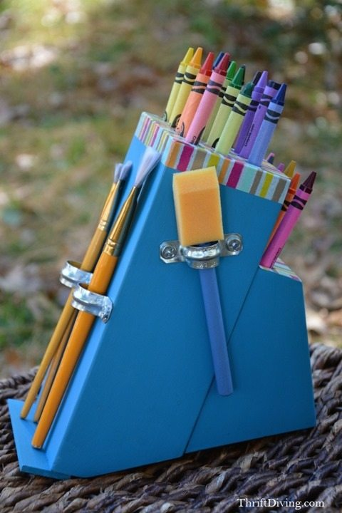 Make-a-DIY-Crayon-Holder-From-an-Old-Knife-Block-24
