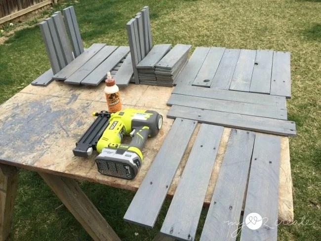 stain pallet wood with weathered gray