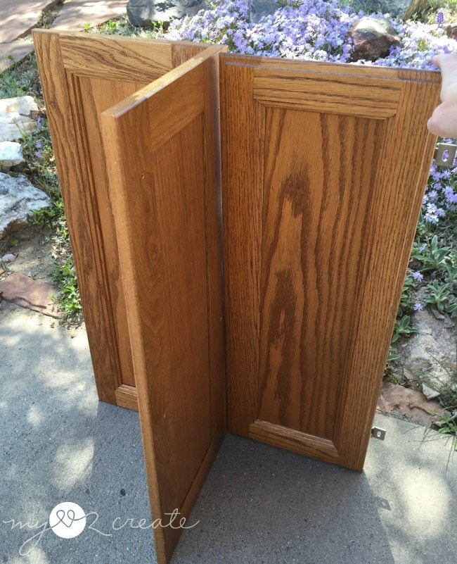 orner cabinet with possible attachment of other door