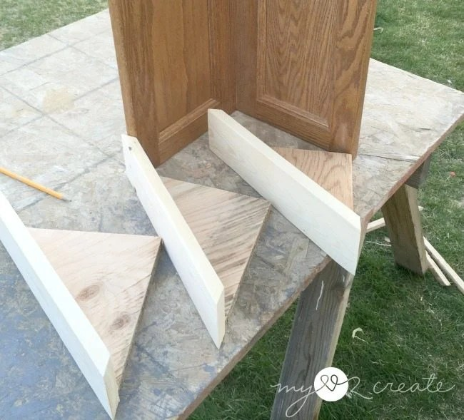 corner shelfs with fronts