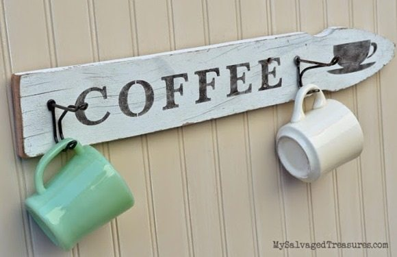 easy-reclaimed-wood-stenciled-signs