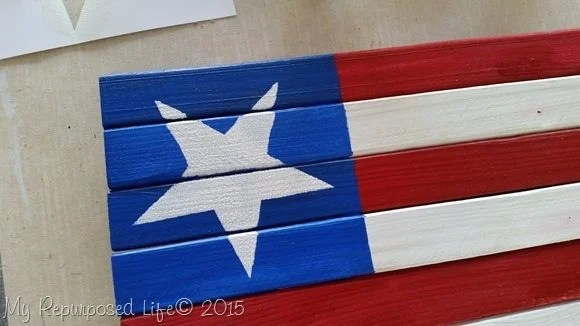 stenciled-star-small-americana-flag