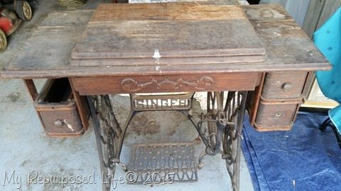 vintage-singer-sewing-machine