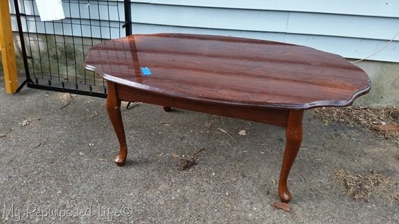 1-dollar-yard-sale-table
