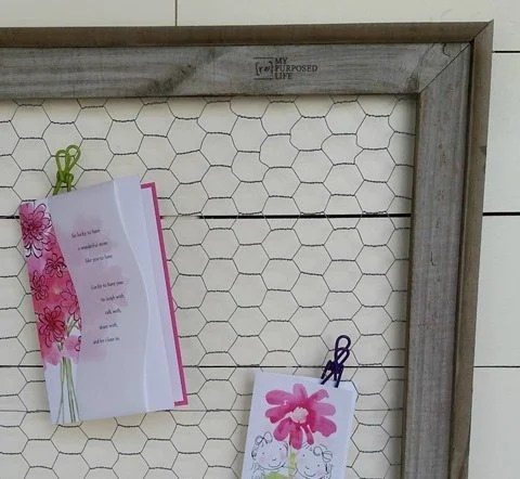my-repurposed-life-easy-rustic-chicken-wire-memo-frame