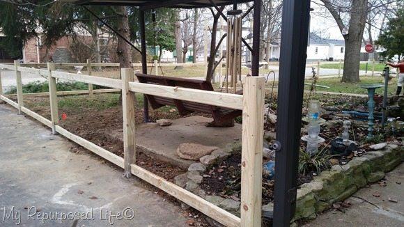 diy-picket-fence-rails-driveway