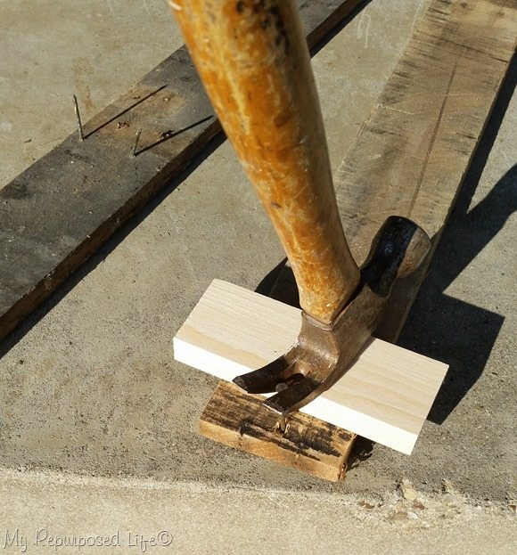how-to-remove-nails-pallet-boards