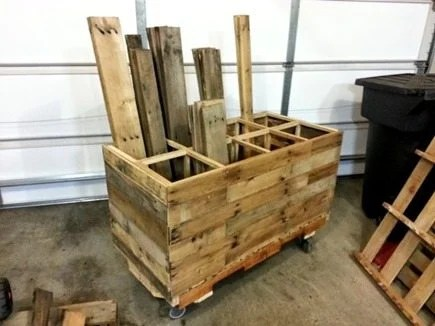 mobile-pallet-wood-storage